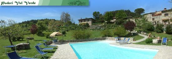 Poderi Val Verde: view of pool area