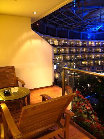 Sahara Star Hotel: Terrace