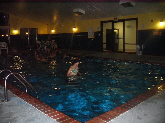 Baymont Inn & Suites Lawton: Pool