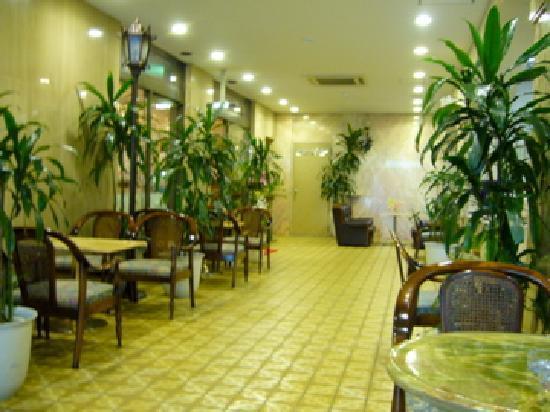 Hotel Suntargas : ドリンクサービスコーナーのロビー