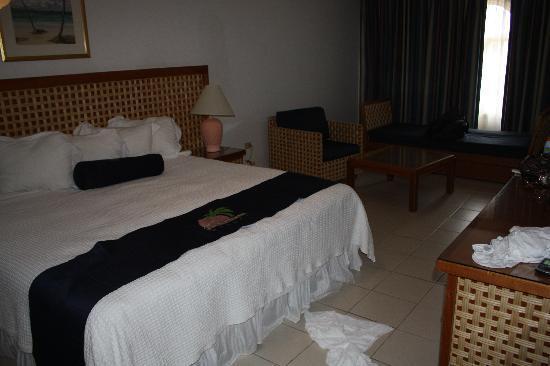 Caribbean Palm Village Resort : Master bedroom