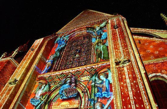 Le Mans, France: Le Concert des Anges sur le chevet de la cathédrale du Mans