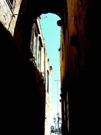 Trani, İtalya: Vicolo dei templari