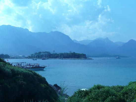 Club Med Kemer: vue de la promende le long du club
