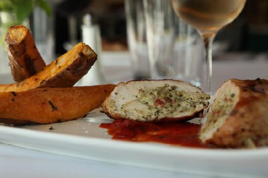 Chestnut Mountain Resort: Sunset Great Food