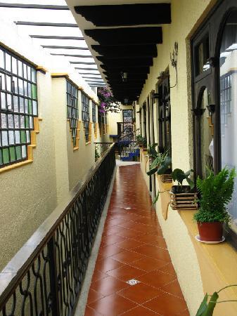 BEST WESTERN La Noria: Hallway