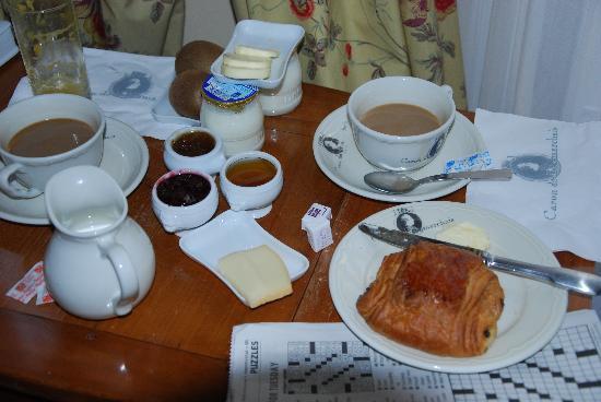 Hotel Caron de Beaumarchais : Beautiful breakfast! It's worth it.