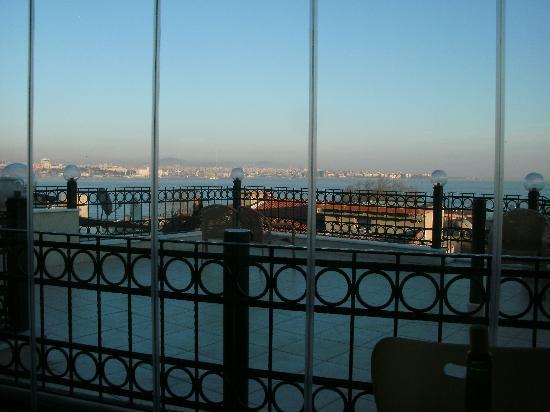 Big Apple Hostel & Hotel: asian side and sea of marmara from the terrace