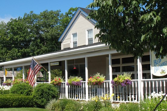 The Glen Arbor Bed & Breakfast and Cottages await you.