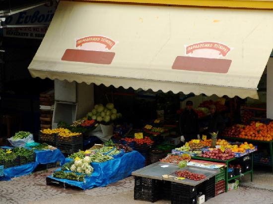 Acropole Hotel : Fruit Stand Across the Street