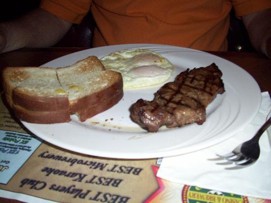 Ellis Island BBQ: EI - steak and eggs breakfast