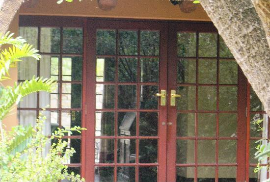 Shamwari Private Game Reserve Lodges: Entrance of our private bungalow- the Chief Suite