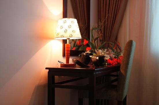 Hue Smile Hotel: Dressing table