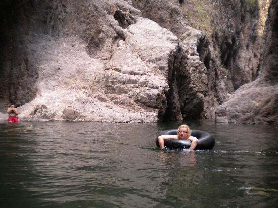 Somoto Canyon: vous pouvez traverser le canyon avecune boué qui est assez rafraichissant mais aussi