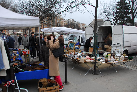 Marche aux puces de la porte de vanves paris 2018 all you need to know before you go with - Puces porte de clignancourt ...