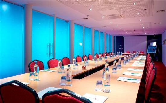 Husa de la Couronne: Meeting room