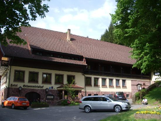 Hotel Restaurant Ochsenwirtshof : The front of the hotel