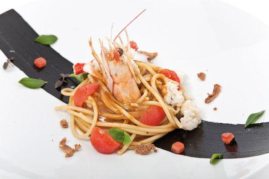 La Casa degli Spiriti: Spaghetti di Gragnano con scampi e bottarga