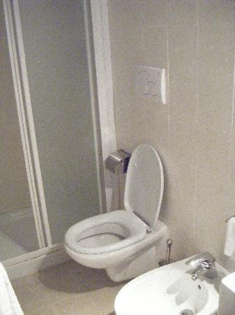 Residence Ca' Foscolo: Bathroom