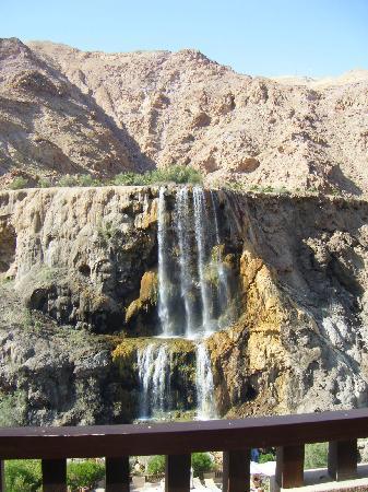 Ma'in, Jordania: Waterfall at Hotel