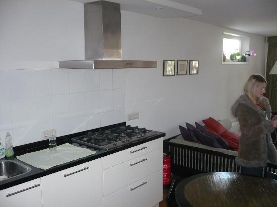 Maes B & B: Kitchen area