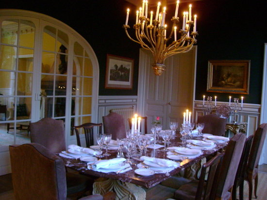 A World in A Pan: dining room at Le Verger