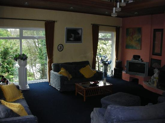 Topos Bed & Breakfast : Living Room c/w TV, DVD, Sky, HUGE selection of DVDs