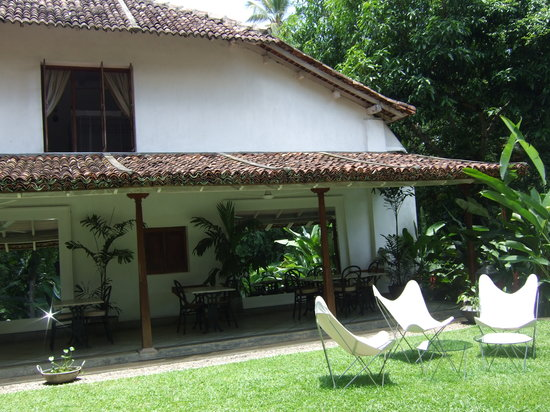 The Kandy House: The dining terrace