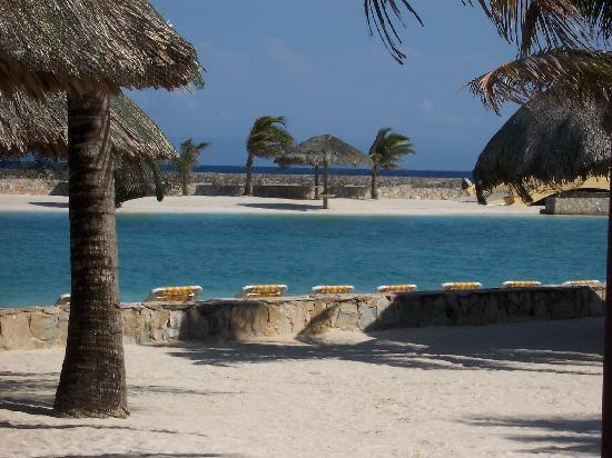 Sante Wellness Retreat: Beach