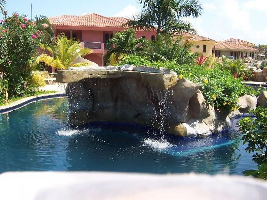 Sante Wellness Retreat: Pool