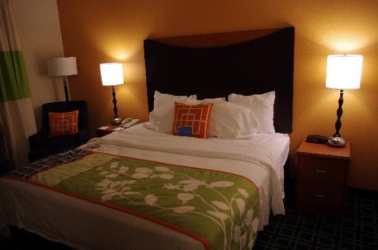 Fairfield Inn Hattiesburg - King Room