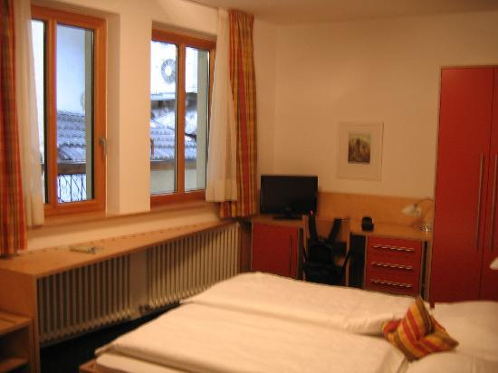 Hotel Figl: Our bedroom again