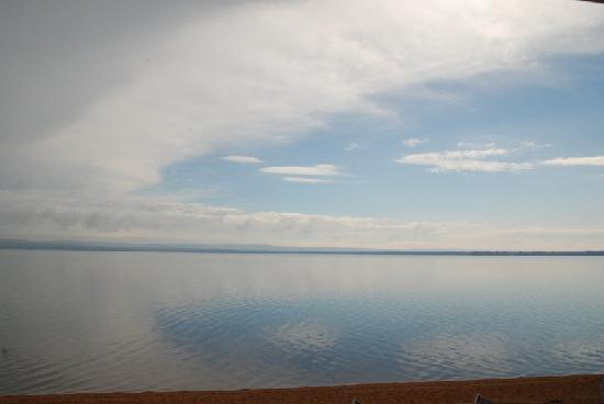 Sands on Golden Lake : Clouds over the lake