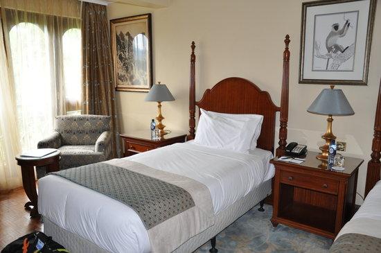 Fairmont Mount Kenya Safari Club: beds