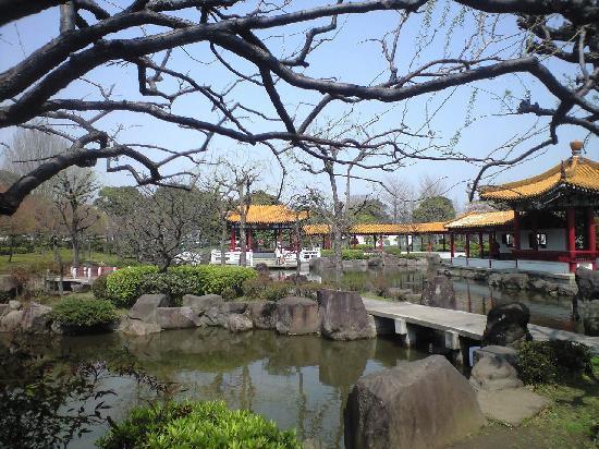 Shinsyuen : 中国風の回廊が雰囲気を盛り上げます。