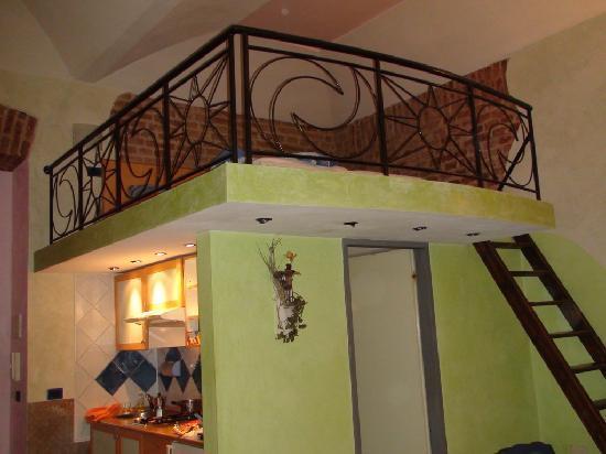 Il soppalco, con il letto matrimoniale - Foto di Residence Casa ...