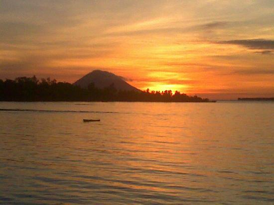 Cocotinos Manado: Sunset Scenery from Cocotinos
