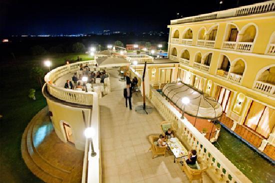 terrazzino gioiosa foto di parco dei principi hotel roccella ionica tripadvisor. Black Bedroom Furniture Sets. Home Design Ideas