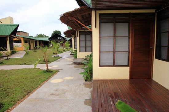 Hotel Amazon Bed & Breakfast: bungalow view