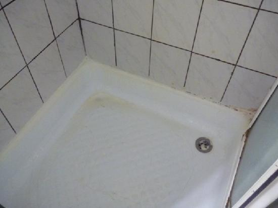 Birbey Hotel: the shower (disgusting!)