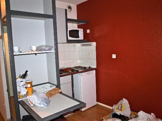 Sejours & Affaires Lyon Saxe-Gambetta: the 'kitchen'