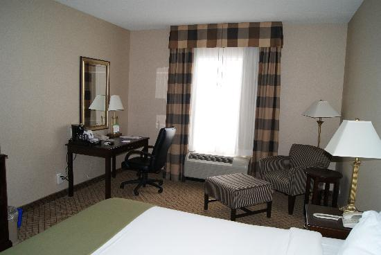 Holiday Inn Express Hotel & Suites North Bay Image