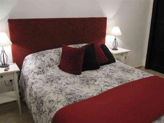 Casa Colina: Almond Suite