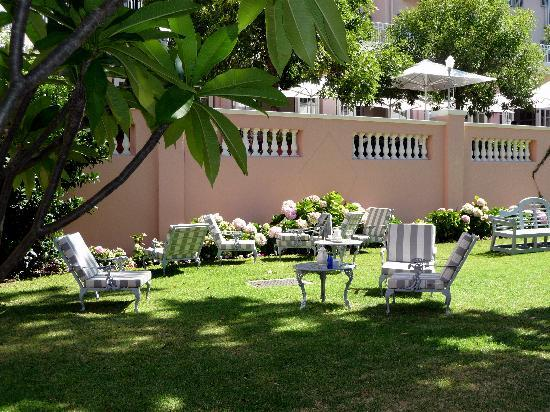 Belmond Mount Nelson Hotel: Lovely grounds