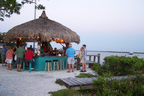 Ellenton, FL: TIKI BAR