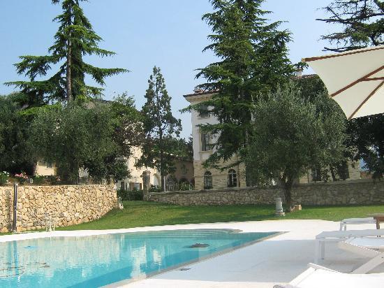 Relais Villa Graziani: The Pool