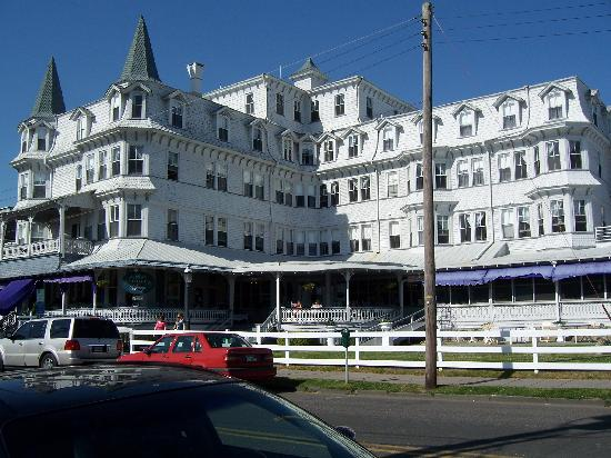 Inn of Cape May: Outside View - Looks nice!