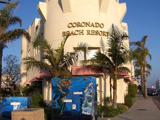 โคโรนาโด บีช รีสอร์ท: Resort front view