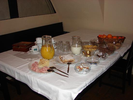 Hotel u Schnellu: Buffet