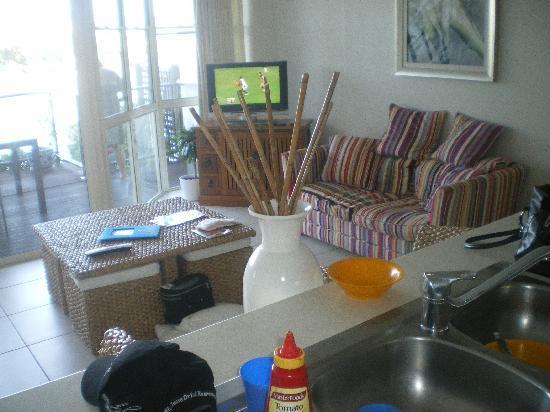 Portside Noosa Waters Resort: lounge